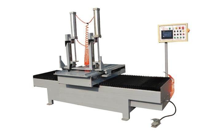 MT-1200A 型带锯数控送料机